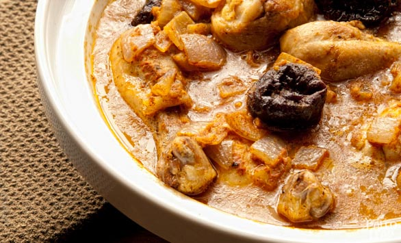 Braised Chicken in Carrot Juice With Prunes