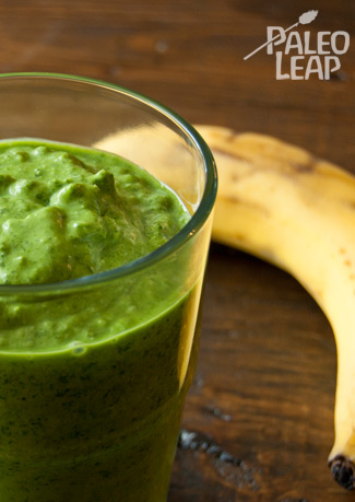Raw kale and banana smoothie