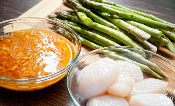 Sea Scallops and asparagus preparation