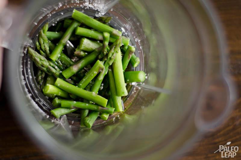Asparagus in the blender
