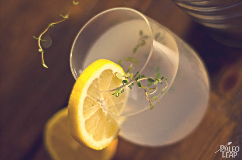 Fresh Lemonade with Thyme