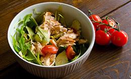 Salmon arugula salad