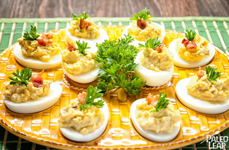 Deviled eggs with bacon bits
